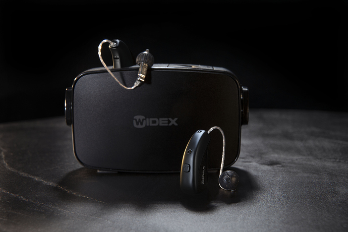 20.01-Widex-mRIC-R-D-charger-packshot